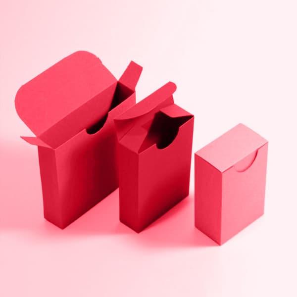 """קופסא מעוצבת עומדת - """"קלפים"""""""